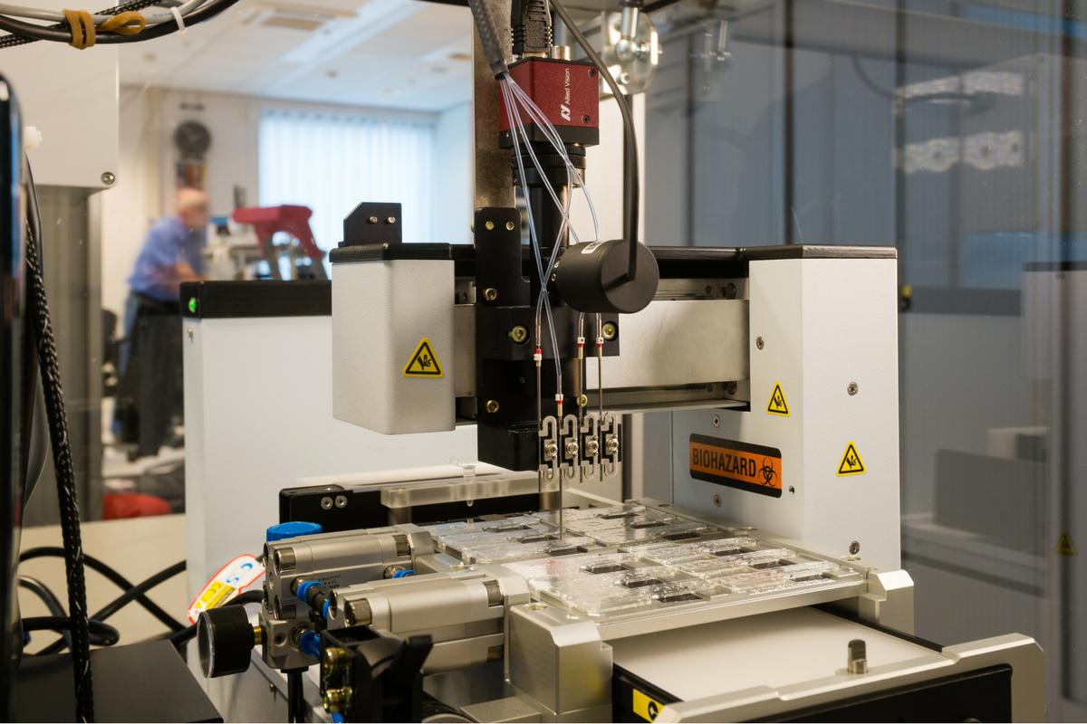 dispensing robot machine vision system